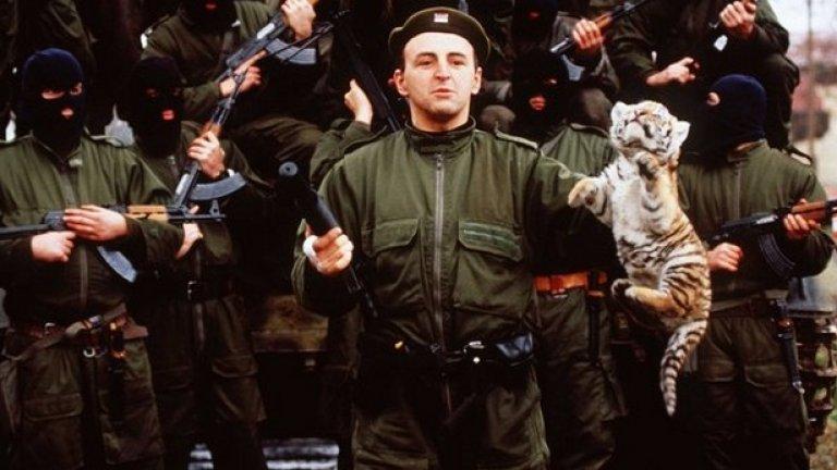 """След завръщането си в Югославия Аркан се ориентира бързо в неспокойната обстановка. Събира около себе си още доброволци, като се обединяват в името на опазването на """"православието и чистата нация, която е заплашена от мюсюлмани и католици""""."""