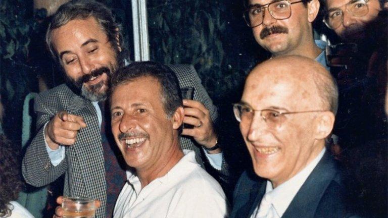Фалконе и Паоло Борселино, решението да се изправят срещу Риина им коства живота.