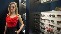 Тя е модел на Sunglass Hut от 2012 година