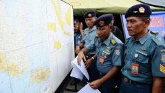 Според предварителен доклад, публикуван на сайта на индонезийския институт по метеорология, причината за инцидента е навлизането на самолета в буреносни облаци.