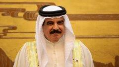 Бахрейн, както и Саудитска Арабия, е управляван от сунитска династия