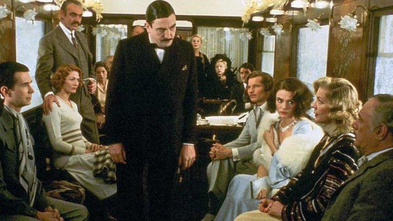 """Кралицата на криминалния жанр обърква и сменя правилата на кримката, по начини, които не са правени до момента и """"Убийство в Ориент експрес"""" е един от най-добрите й примери.   Първо, в него за първи път детективът не предава виновника на полицията, и второ, убиецът не е един. Синди Лъмет филмира този великолепен роман през 1974 година, а в главните роли кани младия Шон Конъри, Албърт Фини, който играе белгийския детектив, Лорън Бакал, Жаклин Бисе и Ингрид Бергман.   Резултатът е """"Оскар"""" за Бергман, 6 номинации общо и златно кино заглавие, което е задължително за почитателите на жанра."""