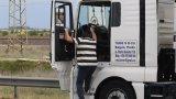 Шофьори се допускат в Гърция само след представяне на QR код