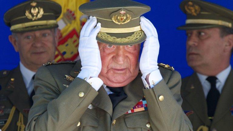 Делото за изнудване срещу Хосе Мануел Вилярехо започна, като бившият полицейски комисар в изслушване пред парламента подхвърли пикантни твърдения за Хуан Карлос.