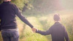 Преди повече от 100 години психологът Станли Хол обявява, че да бъдеш единствено дете е болест само по себе си