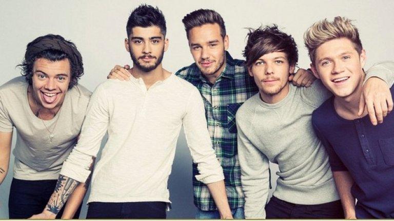 """Сформира се One Direction (2010)  От многобройните приноси на Саймън Коуел за цивилизацията (вижте кариерите на Сюзън Бойл и Пиърс Морган в Америка) със сигурност най-трайният ще бъде съюзът на Хари, Найл, Луи, Зeйн (вече бивш член) и Лиам. По време на The X Factor през 2010 г. Коуел реши да сглоби поп-бегемот, наподобяващ Волтрон, от петима кльощави тийнейджъри с много гел за коса. Последва версия на """"Бийтълс"""" в 21 век. С по-добра коса обаче, по-строги панталони и нито един запомнящ се тон."""