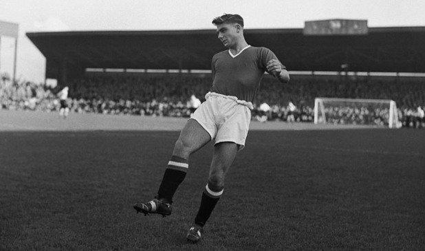 Дънкан Едуардс - 177 мача, 21 гола Сър Боби Чарлтън винаги е вярвал, че той е най-добрият играч, с когото някога е бил рамо до рамо. В продължение на 15 дни се бори за живота си след мюнхенската катастрофа, но накрая се предава в баварска болница. Умира само на 21, а и 60 години по-късно в Англия са убедени, че той е щял да бъде едно от най-ярките явления във футбола за всички времена.
