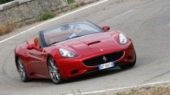 Ferrari обновява California за 2012