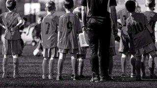 Децата тренират любимия си спорт, учат се на дисциплина и същевременно са в безопасна среда. Това е обвивката. Но така ли е в действителност?