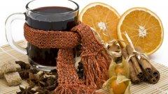 Задължителните подправки за греяно вино са три - черен пипер, карамфил и канела
