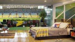 Можете да заспите на светло в апартамента, за да виждате и усещате игрището и чашата на един от няколкото стадиона в света, в които живеят духовете на футбола.