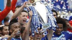 Джон Тери вдигна купата - Челси е шампион!