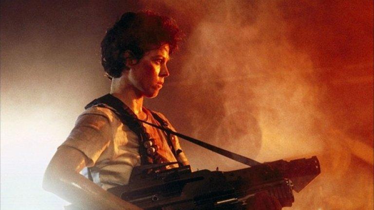 """Сигърни Уивър е сред първите екшън героини. В """"Пришълецът"""" от далечната 1979 година Елън Рипли е несравнима. Тя е един от най-мъжкарските образи на киното. Дали някой ден Ридли Скот или Джеймс Камерън ще я повикат за нова мисия?"""