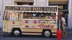 """Италианците дебелеят, защото се хранят все по-нездравословно, което предизвиква известни размисли относно мита за """"средиземноморската диета"""""""