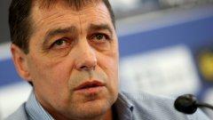 Левски представи Петър Хубчев: По-малко хаху-хихи, ще търсим отборния принцип
