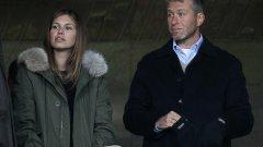 Дария Жукова завъртя главата на милиардера Роман Абрамович и успя да го разведе с втората му съпруга Ирина, от която той има пет деца. Синът на Дария и Роман - Арон - е шесто дете на олигарха.