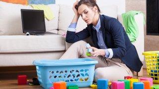 Продуктивността на работещите вкъщи родители е спаднала едва с 2%