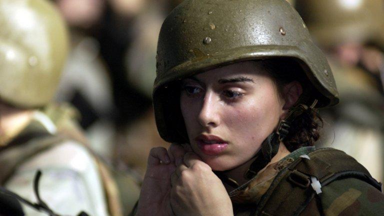 Скандал с голи снимки в американската армия доведе до разследване