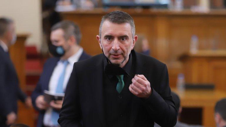 """Според зам.-председателя на ПГ на """"Има такъв народ"""" Ивайло Вълчев наследствени места в листите няма да има, като те ще бъдат редени наново"""