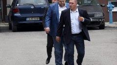Георги Георгиев беше човекът, който миналия юни подаде сигнал в прокуратурата, че срещу Делян Пеевски се готви покушение, а по случая бяха задържани трима души, които прекараха 72 часа в ареста, преди съдът да ги освободи, заради липса на всякакви доказателства. Впоследствие прокуратурата призна, че разследването е било грешка