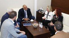 Здравният министър Кирил Ананиев издаде нова заповед след среща на премиера с представители на бранша