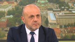 Не само в София, но и на много места партия ГЕРБ е била в позиция всички да играят срещу нея, уточни вицепремиерът