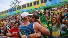Олимпиадата е един голям секс фест. На спортистите се раздават хиляди кондоми, а в селцето цари тотален разврат