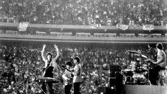 Точно преди 50 години The Beatles превзеха Америка (галерия)