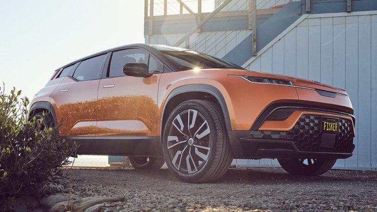 Fisker OceanТова е стилен SUV със соларен панел на покрива, който също е дело на стартъп. Ocean пък трябва да бъде представен на автошоуто в Лос Анджелис този ноември, ако всичко е наред в завода на Fisker. Серийното производство е предвидено да започне във втората половина на 2022 г., но компанията се хвали, че вече има над 17 хил. резервирани бройки.