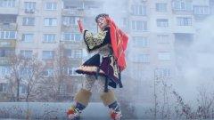 Видеото към EP-то Bang вече привлече шеговити коментари от българи