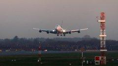 Боинг 747 на авиокомпанията Virgin Atlantic беше принуден да кръжи с часове, преди да кацне