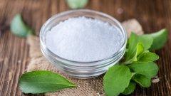 Екстракт от листата на растението става естествен и без калории заместител на захарта. Това е от векове, но едва през последните 10 години започва да навлиза по-масово.