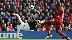 """Хуан Мата срещу Ливърпул - страхотно изпълнение от въздуха, което реши мача в полза на Манчестър Юнайтед - 2:1 на """"Анфийлд""""."""
