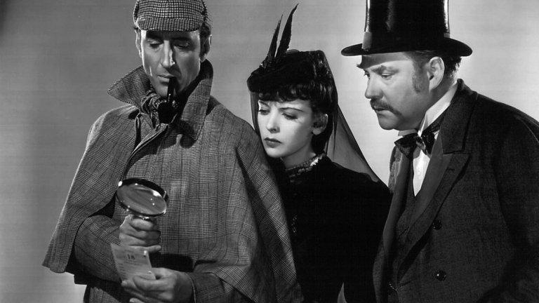 Това е една от първите адаптации на романите на Дойл и, разбира се, е една от най-известните истории за детектива. Дори и онези, които не са чели нищо за Шерлок Холмс знаят Баскервилското куче.   Адаптацията на романа е дело на Сидни Лендфилд, а в обувките на детектива влиза Базил Радбоун. Абсолютен скептик към окултното, Шерлок Холмс попада на случай, в който наследниците на рода Баскервил биват убивани от мистериозно голямо и зло куче.