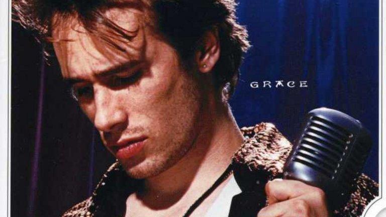 Джеф Бъкли – Grace (1994)  Един от трагичните герои на музиката, Джеф Бъкли се удави едва на 30 при нелеп инцидент и приживе ни остави един-единствен албум – но какъв само! Grace демонстрира, че синът на големия фолк и рок изпълнител Тим Бъкли е наследил рядък талант и албумът продължава да бъде слушан и до днес. С прекрасната кавър версия на Hallelujah на Ленард Коен и авторски песни като Lover, You Should Come Over и Grace, Бъкли никога няма да бъде забравен.