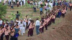 1,5 млн. души участваха в рекордното озеленяване на долината на река Нармада