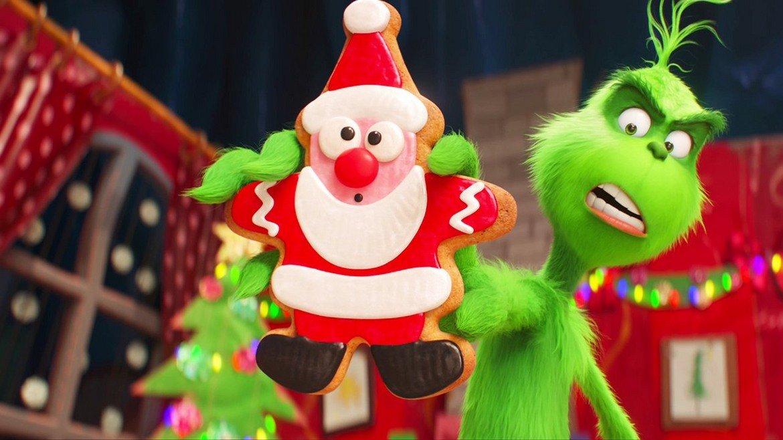 """""""Гринч"""" (2018)  Много добре приети филми излязоха през 2018 г. и един от тях беше """"The Grinch"""". В новата анимационна версия историята е много подобна на останалите филми с персонажа, но са добавени и оригинални сцени. Талантливият актьорски състав и главната звезда Бенедикт Къмбърбач осигуряват сравнително приличните отзиви за """"Гринч""""."""