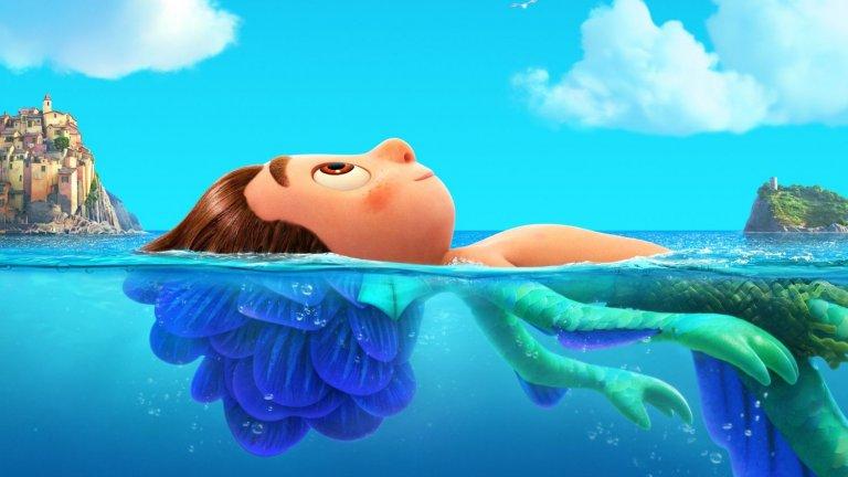 """""""Лятното приключение на Лука""""  Къде: в кината Кога: от 18 юни  Още една анимация, в центъра на която обаче е малко момче. Лука изживява страхотно лято, изпълнено със сладолед паста и разходки със скутер, в живописно градче на Италианската Ривиера. Хубавите им и безгрижни дни обаче са застрашени от тайната, че морски чудовища от друг свят се крият под водата..."""