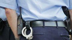 """Глобата при """"докосване"""" на полицай вече е почти факт, но неяснотите остават"""