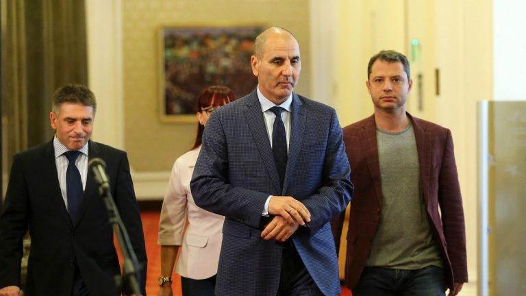 Според бившия зам.-председател на ГЕРБ партията отстъпва от смесените региони