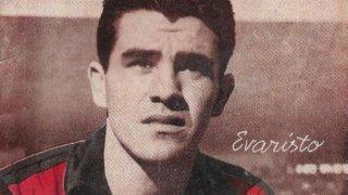 Той вкарваше повече от Роналдо, детронира Реал, Барса го измами, след което работи за Саддам Хюсеин