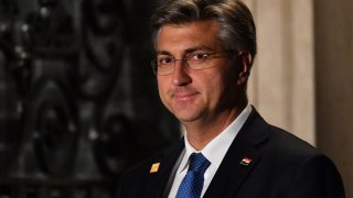 Партията на премиера Андрей Пленкович ще има 68 места в парламента, а опозиционната коалиция - 42