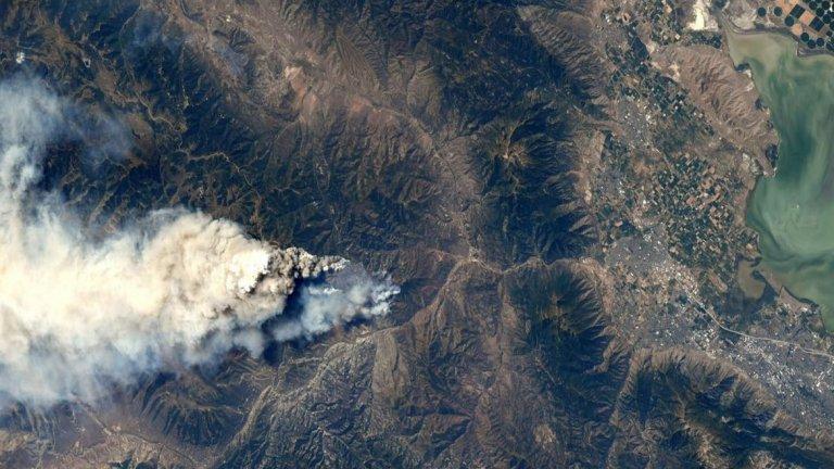 Огромен пожар, заснет от МКС
