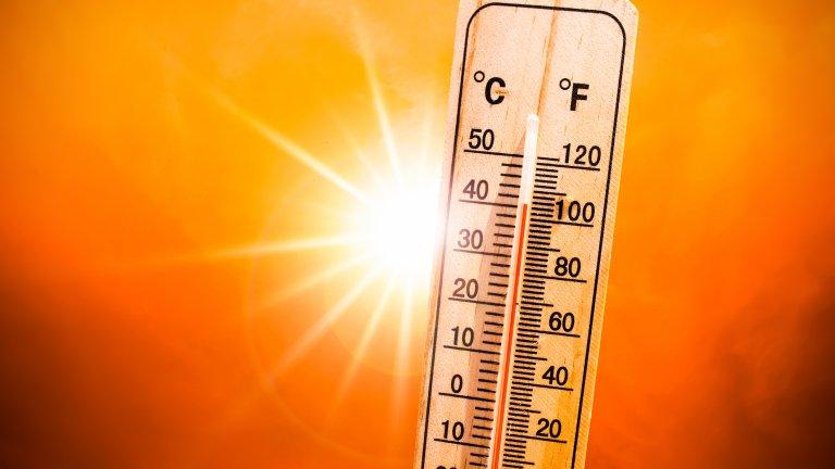 Избягвайте да стоите на слънце и да излизате в най-горещите часове от деня