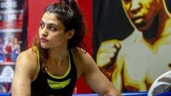 Садаф успява да избяга от родния Техеран и вече има 13 двубоя в аматьорския бокс във Франция