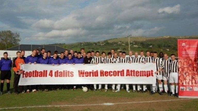 36-имата футболисти на Ол Старс и Камбри събраха дарения от 30 000 паунда за училище за децата на далитите в Индия