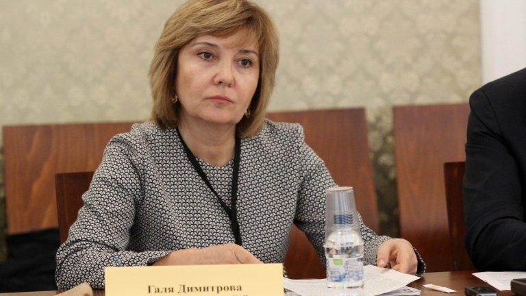 Галя Димитрова защити решението да не се върне от отпуск с лични мотиви