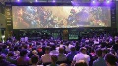 Да гледаш как професионалните играчи излъчват шампионите си в League of Legends е също толкова увлекателно като същинската игра - има огромен стратегически аспект в създаването на силен, балансиран отбор