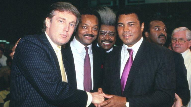 Събитието, което променя кариерата му, се случва през 1960-а. Тогава Кинг се среща с Мохамед Али, който току-що е станал олимпийски шампион от Игрите в Рим. Заради расовата дискриминация в САЩ по онова време обаче, Касиус Клей няма право да влиза в ресторанти за бели. Тук се появява Кинг, който притежава ресторант в Кливланд, където Али е добре дошъл.