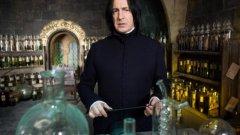 Звездата от Хари Потър и Умирай трудно почина на 69 г. Вижте в галерията някои от най-добрите му филми.